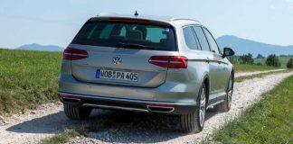 Leichtes Gelände bereitet dem VW Passat Alltrack überhaupt keine Schwierigkeiten