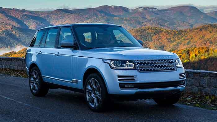 Der Range Rover Hybrid kommt auf eine Systemleistung über 340 PS.