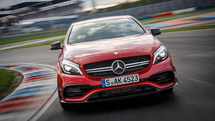 Der Mercedes A 45 gibt sich zumindest äußerlich zurückhaltend.