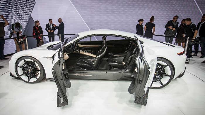 Der Porsche Mission E.
