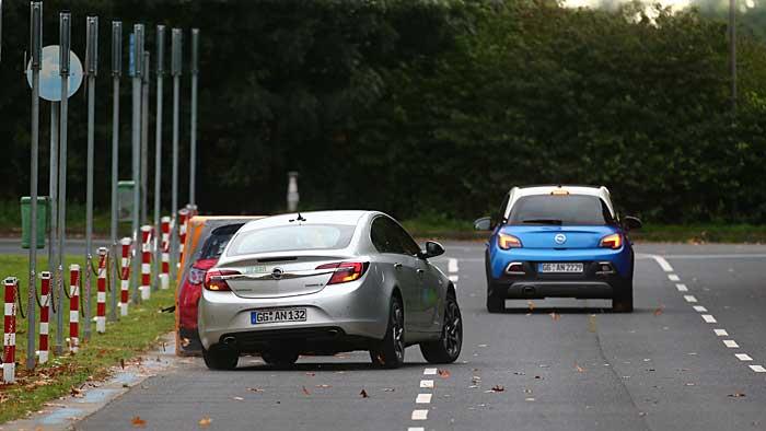 Der Verkehrsalltag soll mit Assistenten sicherer bewältigt werden.