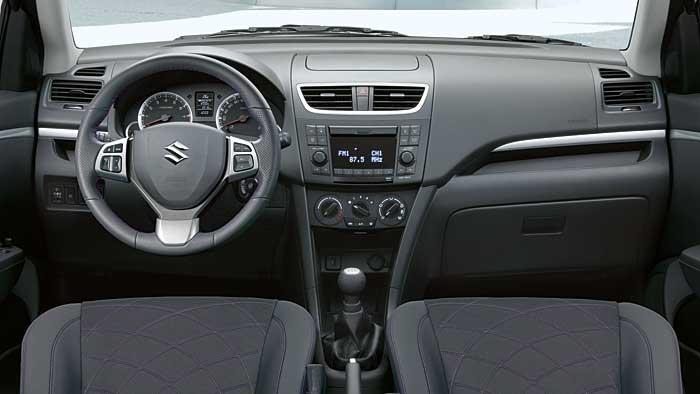 Das Cockpit des Suzuki Swift X-TRA