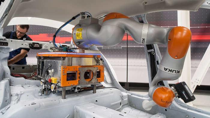 Roboter bei Mercedes