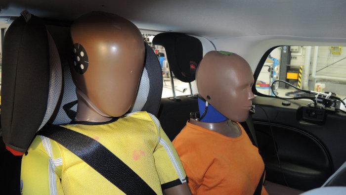 Der ADAC hat die Sicherheit in der dritten Sitzreihe getestet.