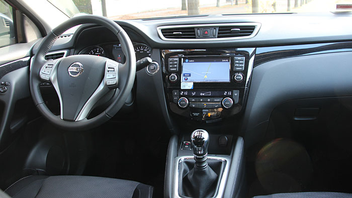 Der Nissan Qashqai gibt sich als Topbenziner auch sportlich.