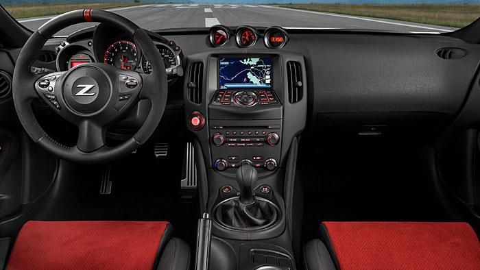 Der Nissan 370Z Nismo beeindruckt durch sein starkes Kurvenverhalten.