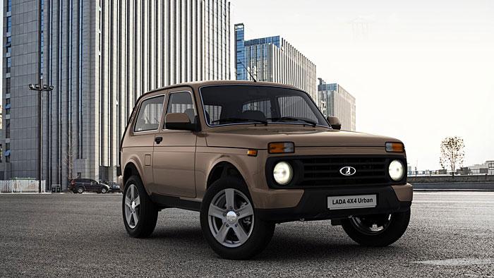 Der Lada 4x4 Urban gibt auch auf dem Boulevard eine kantige Figur ab.