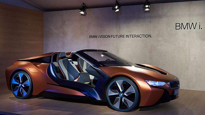 BMW verwandelt das Cockpit in ein mobiles Arbeitszimmer.