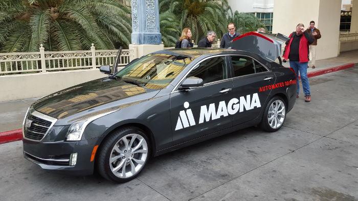 Autonomes Fahren im Cadillac ATS mit Frontkamera von Magna.