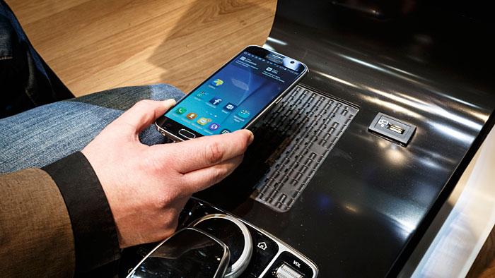 Die Elektronik nimmt im Auto immer mehr Platz ein