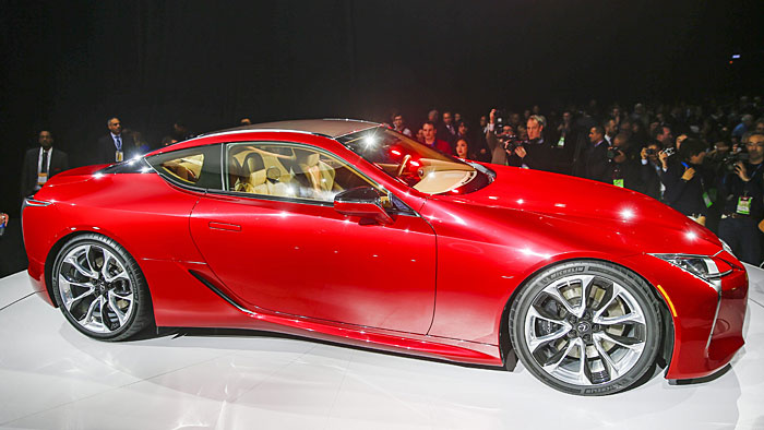 Lexus präsentiert mit dem LC 500 erstmals eine Zehngang-Automatik.