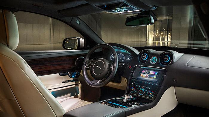 Jaguar hat den XJ technisch in die Moderne überführt.