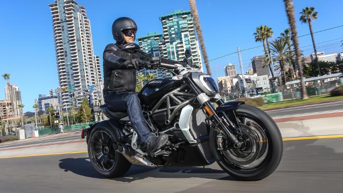 Die neue Ducati XDiavel, mit ihr kann man auch cruisen.
