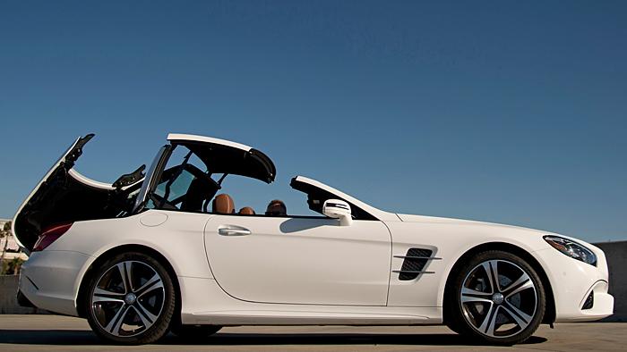 Mercedes hat dem SL eine Modellpflege zukommen lassen.