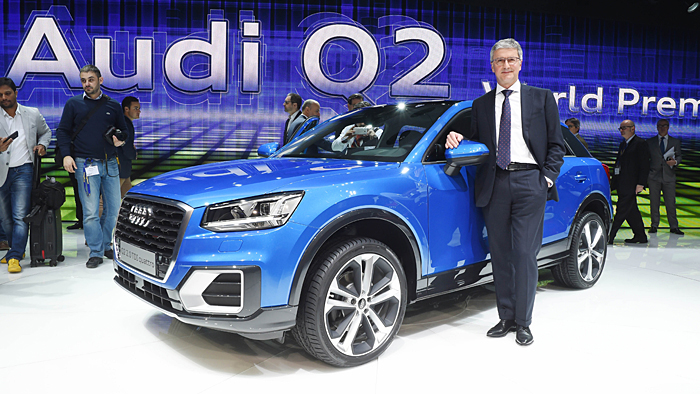 Audi-Chef Rupert Stadler stellt den neuen Q2 vor.
