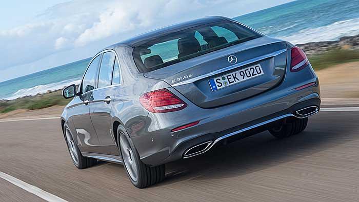 Die Mercedes E-Klasse fährt teilweise autonom.