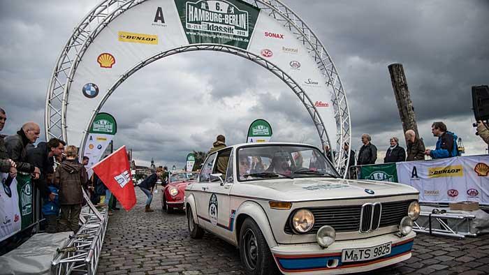 Die Saison der Oldtimer-Rallyes beginnt im Frühling.