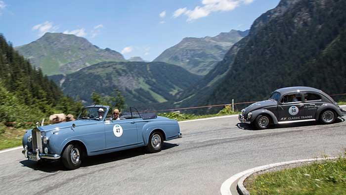 Nicht nur das Fahren zählt bei den Oldtimer-Rallyes.