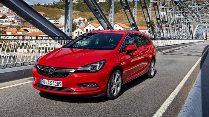 Der neue Opel Astra Sports Tourer kommt im April.