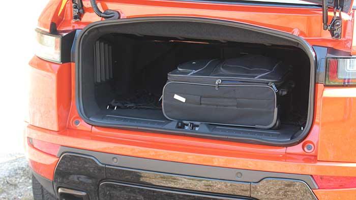 Land Rover sorgt mit dem Range Rover Evoque Cabrio für ein Novum im SUV-Segment.