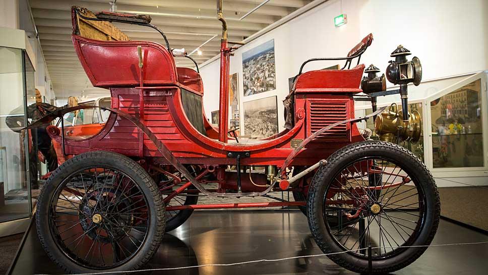 Der Vis-à-Vis-Motorwagen von 1901.
