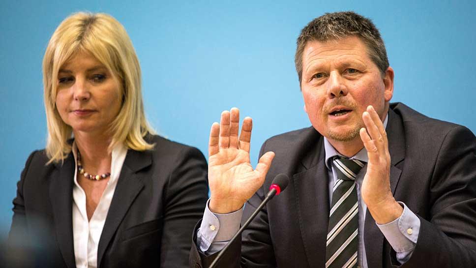 Die Bayerische Staatsministerin Ulrike Scharf (CSU) und Bremens Umweltsenator Joachim Lohse (Bündnis 90/Die Grünen)