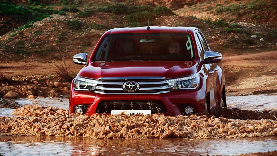 Der Toyota Hilux gibt sich weiterhin burschikos