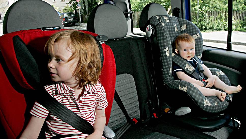 Beim Sichern der Kinder im Auto sollte man sich Zeit nehmen.