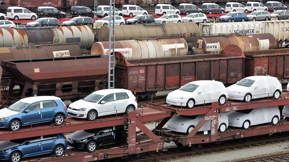 Schlechte Nachricht für Autobauer: Autos werden immer älter.