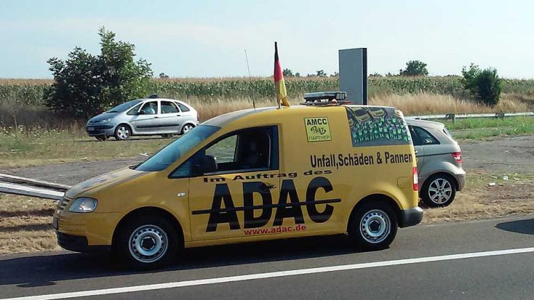 ADAC warnt vor falschen Abschleppfahrern