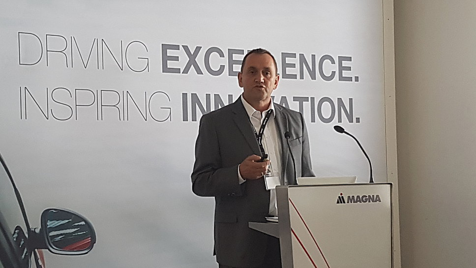 Anton Mayer ist Vizepräsident Engineering bei Magna.
