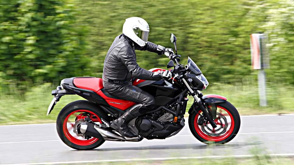 Die Honda NC 750S wurde in diesem Jahr überarbeitet.