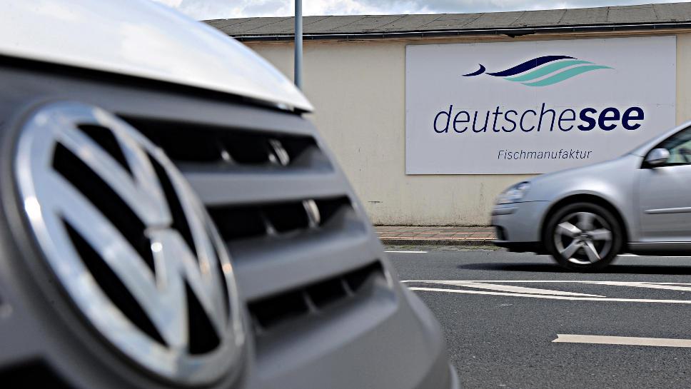 Der Fischverarbeiter Deutsche See verklagt VW.