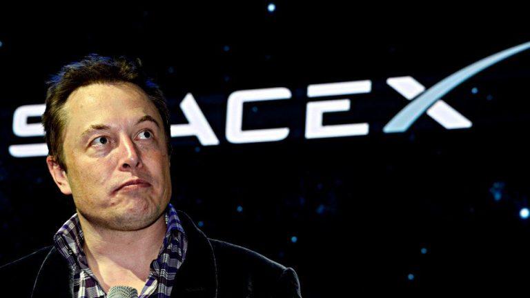 Tesla heizt Erwartungen für Model Y an