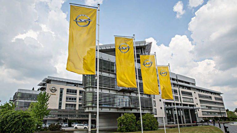 Opel bleibt wegen Brexit in roten Zahlen