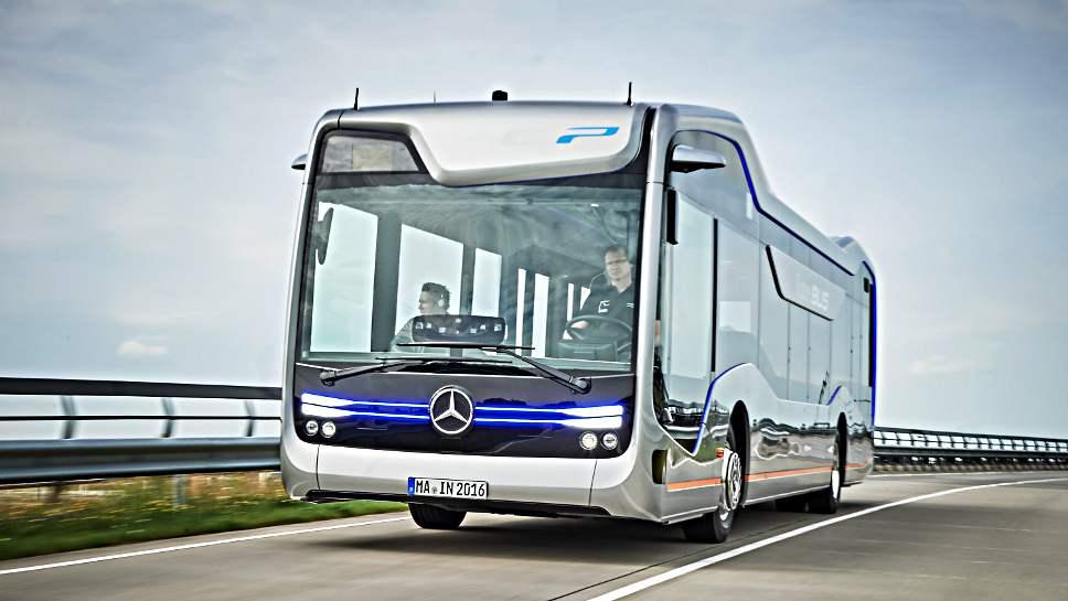 Der Future Bus von Daimler im Einsatz.