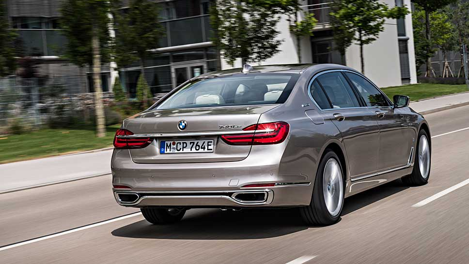 BMW hängt den Siebener an den Stecker