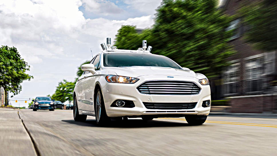 Autonom fahrender Versuchsträger von Ford.