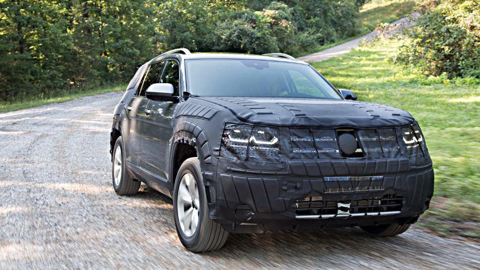 Noch getarnt, der neue Midsize-SUV von VW für die USA.