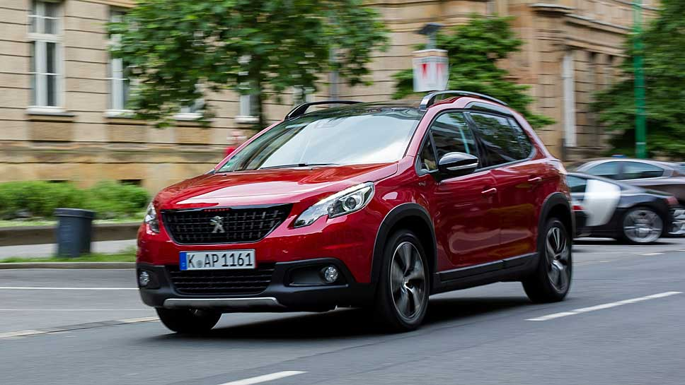 Der Peugeot 2008 fühlt sich in der Stadt am wohlsten