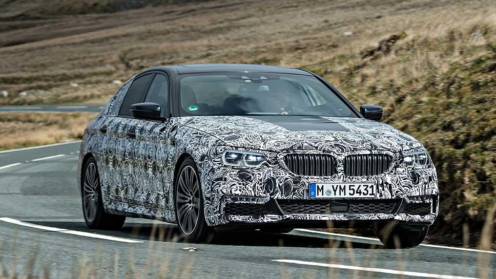 BMW enthüllt den neuen Fünfer Anfang 2017 in Detroit.