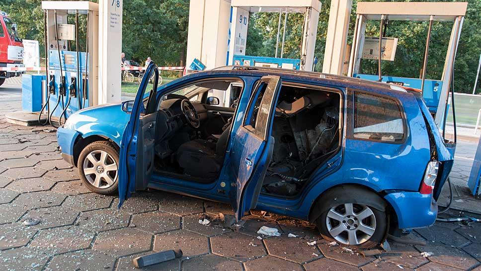 Der explodierte Erdgas-Touran von VW.