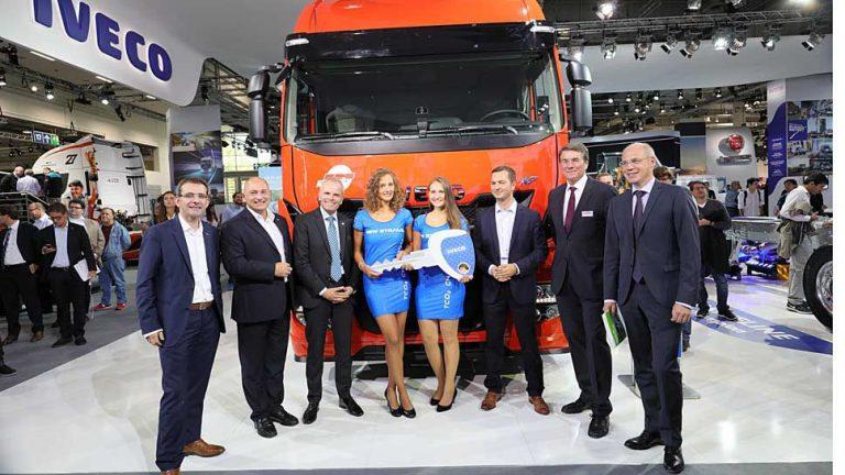 Iveco setzt Meilenstein mit Flüssig-Erdgas-Lkw