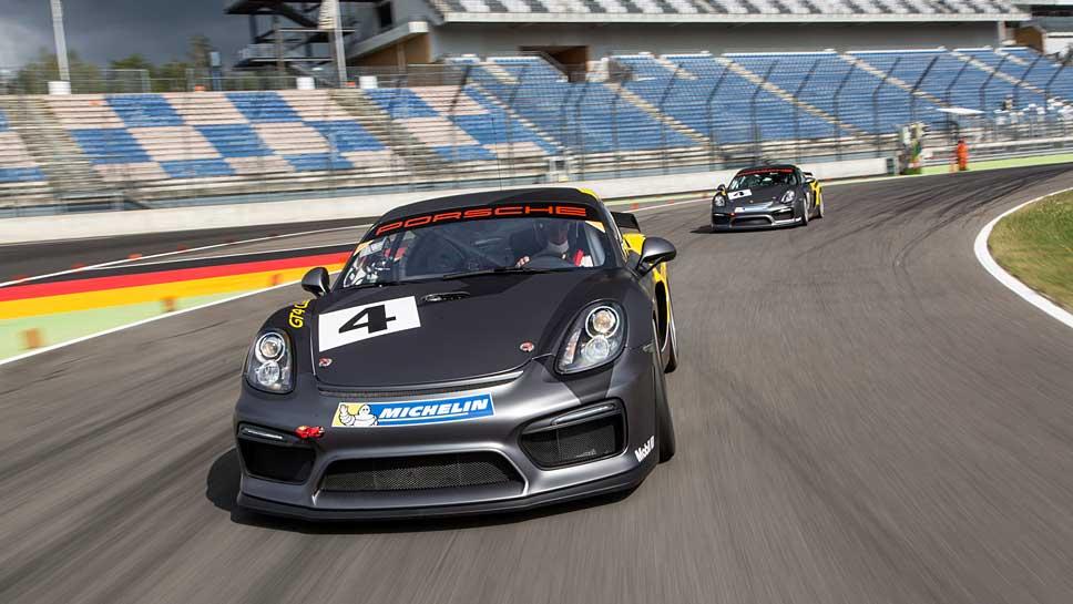 Der Porsche Cayman GT4 Clubsport erhält Unterstützung aus der 911er-Reihe