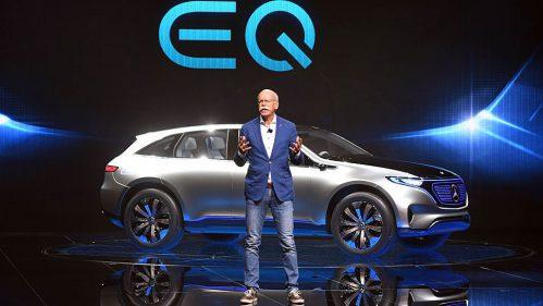 Mercedes-Chef Dieter Zetsche präsentiert die Studie Generation EQ