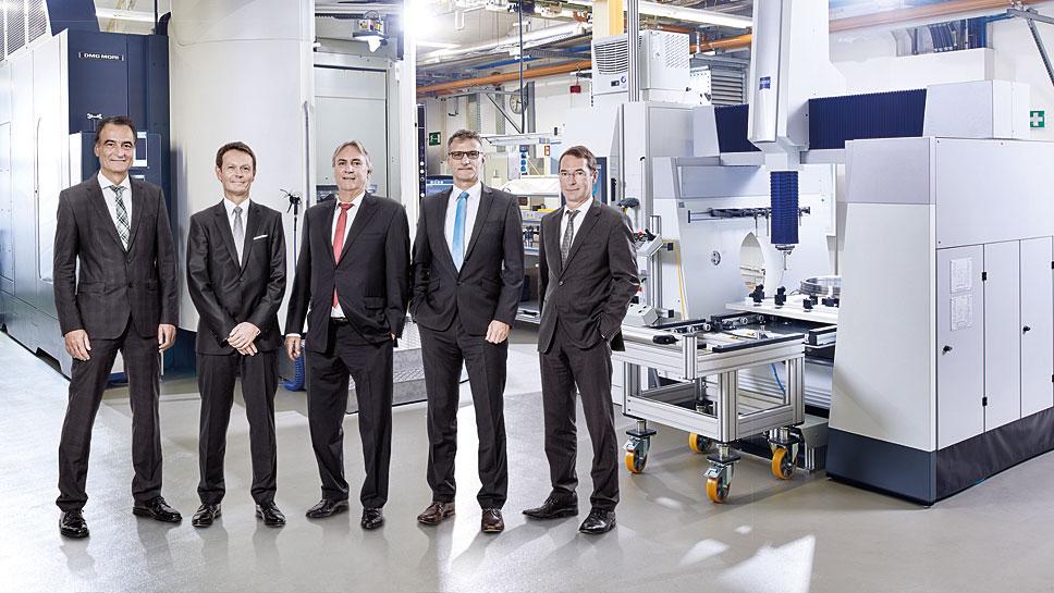 Schaeffler-Digital-Chef Gerhard Baum, IBM-Deutschland-Chef Ivo Körner und Schaeffler-Entwicklungschef Peter Gutzmer, Jürgen Henn und Harald Gießer (v.l.)