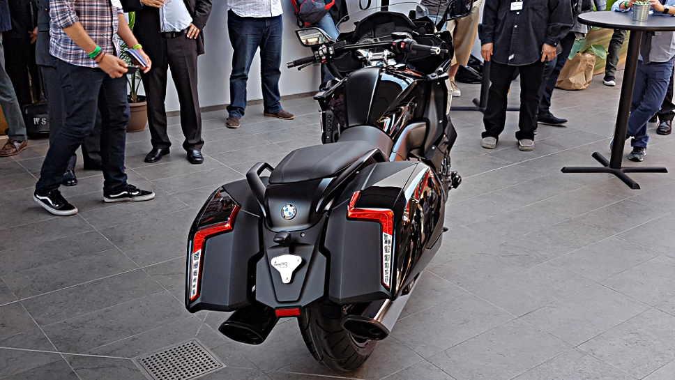 Bereits am Vortag hatte BMW Motorrad die K 1600 B enthüllt