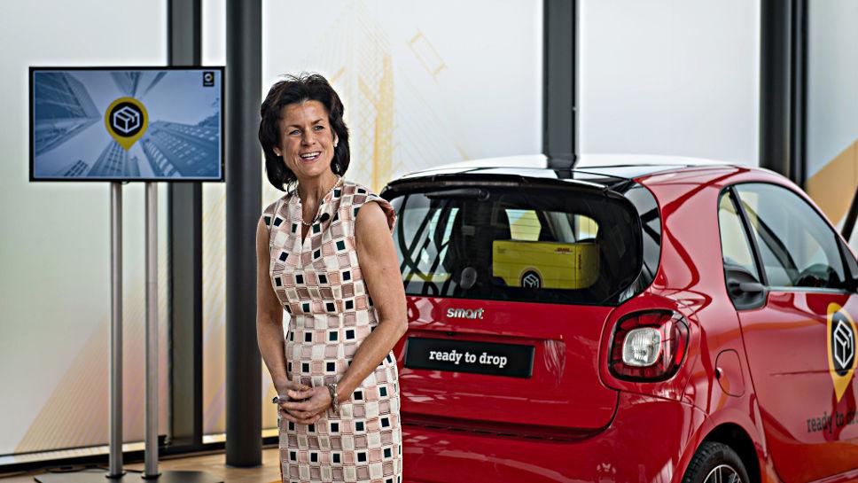 Smart-Chefin Annette Winkler baut das Angebot an Mobilitätsdienstleistungen aus.