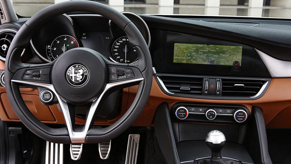Edel sieht es in der Giulia von Alfa Romeo aus