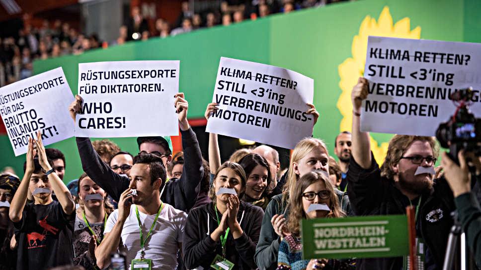 Grüne Protest Zetsche neu Aufmacher dpa